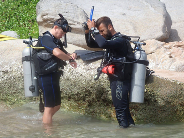 beginner diver and instructor in Thailand's popular dive spot