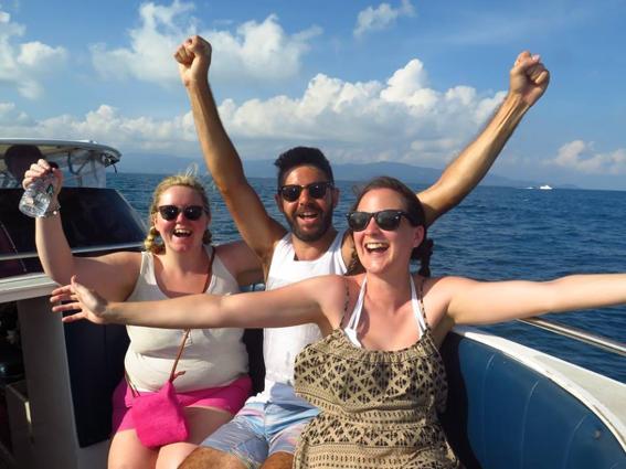 scuba-diving-spots-thailand-boat-ride