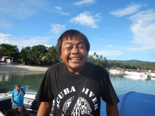smiling-thai-local-divemaster